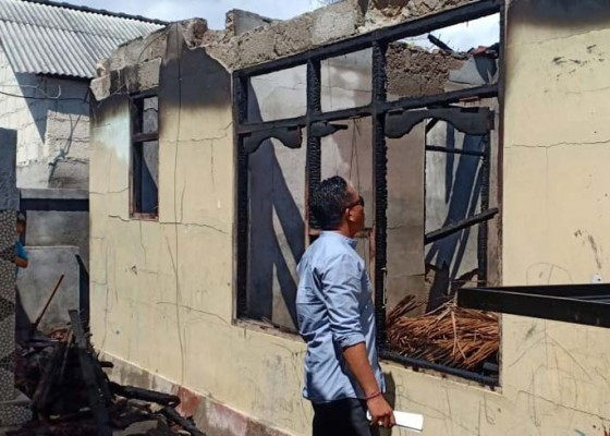 Nusabali.com - korsleting-listrik-rumah-warga-terbakar