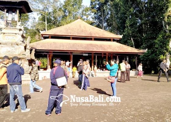 Nusabali.com - karya-di-pura-batukau-bupati-larang-pendakian-gunung-batukau