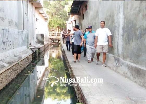 Nusabali.com - perkimta-kaji-penataan-sanitasi-kawasan-kali-mumbul