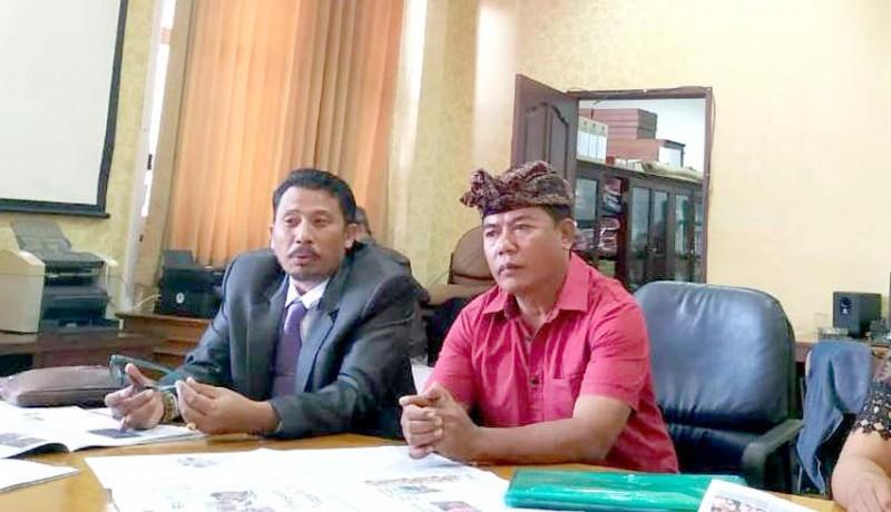 www.nusabali.com-warga-keluhkan-lamanya-pengurusan-akta-perkawinan-di-disdukcapil-badung