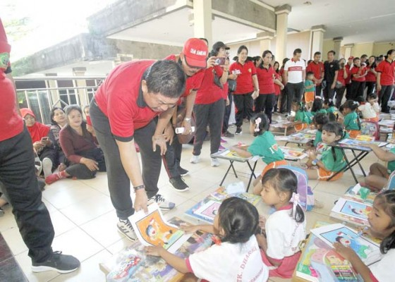 Nusabali.com - ratusan-anak-tk-ikuti-lomba-mewarnai