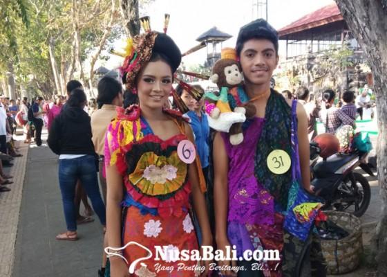Nusabali.com - hebat-siswa-smp-rancang-busana-lovebird-dan-alladin