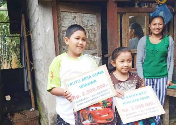 Nusabali.com - tiga-siswa-yatim-piatu-dapat-bantuan-biaya-sekolah