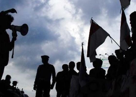 Nusabali.com - tersangka-kerusuhan-papua-akan-dipindah-ke-bali