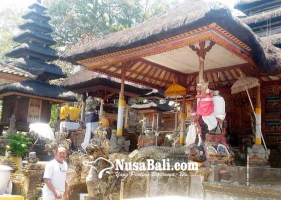 Nusabali.com - meru-pura-bukit-jati-terancam-roboh