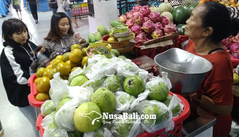 www.nusabali.com-pedagang-pasar-badung-rasakan-ramai-pembeli
