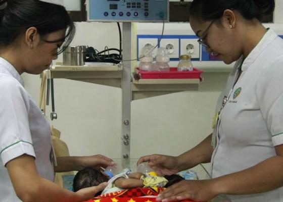 Nusabali.com - pemisahan-bayi-kembar-siam-belum-bisa-dilakukan