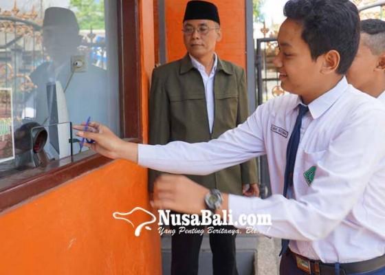 Nusabali.com - kasek-smp-mengajar-nol-jam