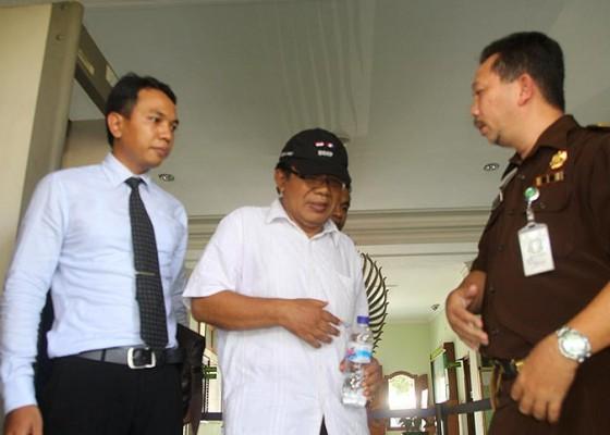 Nusabali.com - prof-titib-kembali-terjerat-kasus-dana-punia