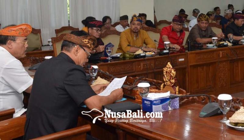 www.nusabali.com-adi-wiryatama-ketua-dewan