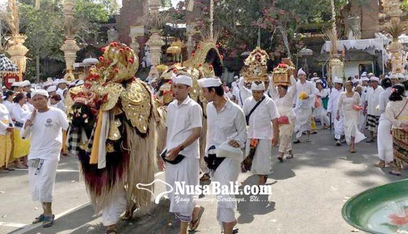 www.nusabali.com-desa-adat-kerobokan-gelar-prosesi-melasti-lan-segara-kertih