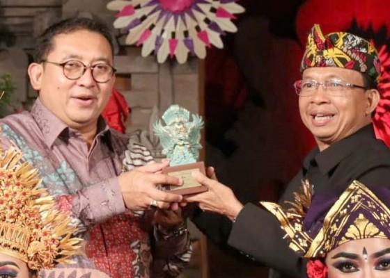 Nusabali.com - gubernur-koster-beber-kebijakan-untuk-lestarikan-alam-bali-di-hadapan-delegasi-parlemen-dunia