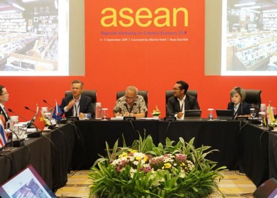 Nusabali.com - komite-khusus-ekonomi-kreatif-jadi-strategi-awal-asean