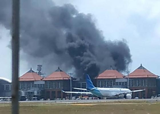 Nusabali.com - heboh-bus-terbakar-di-bandara-internasional-ngurah-rai