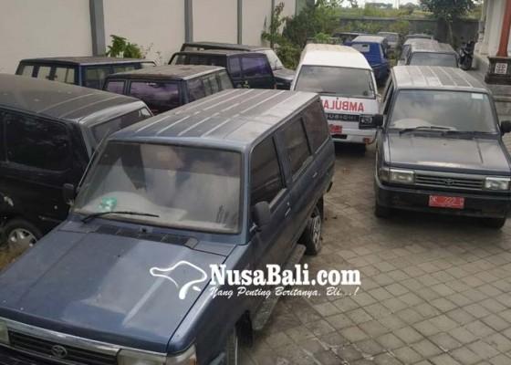 Nusabali.com - kendaraan-dinas-milik-pemkab-banyak-mangkrak