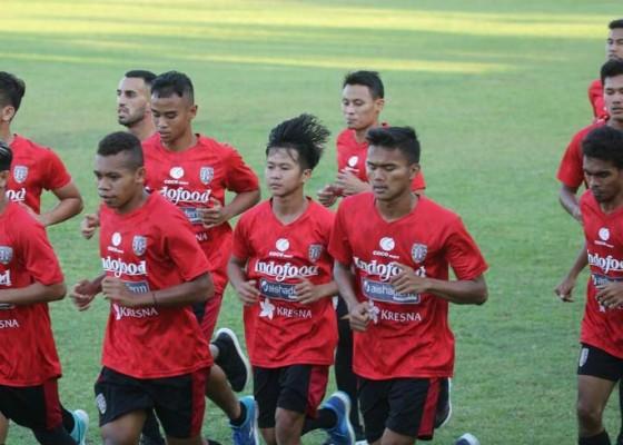 Nusabali.com - bali-united-bawa-20-pemain