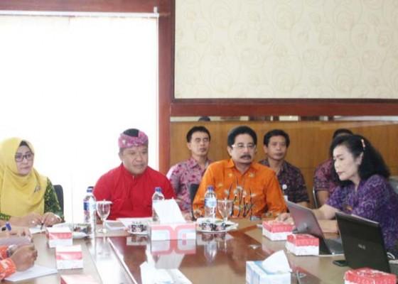 Nusabali.com - pemkab-bangli-terima-kunjungan-tpid-magetan-dan-priangan-timur