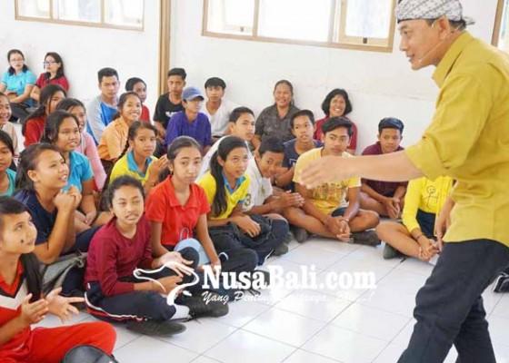 Nusabali.com - sembuhkan-stroke-mendongeng-keliling-nusantara