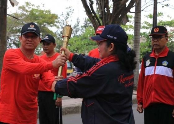 Nusabali.com - api-porprov-bali-2019-dari-buleleng-jamah-bali-tinur