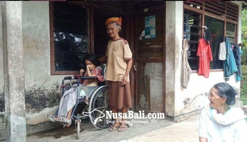 www.nusabali.com-sendirian-rawat-cucu-kolok-dan-lumpuh