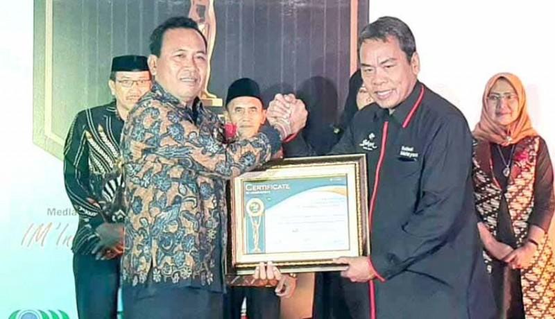 www.nusabali.com-perusda-tirta-tohlangkir-raih-7sky-media-awards