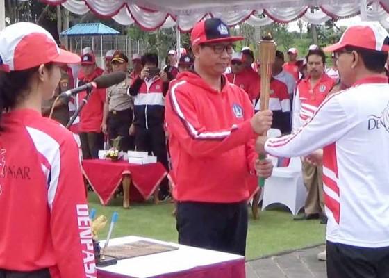 Nusabali.com - atlet-peraih-emas-porprov-bakal-diganjar-rp-60-juta