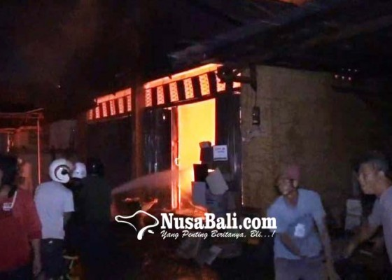 Nusabali.com - sisa-api-dupa-diduga-hanguskan-toko-bahan-bangunan