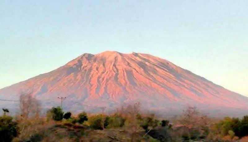 www.nusabali.com-pendaki-gunung-agung-terancam-denda-rp-1-juta