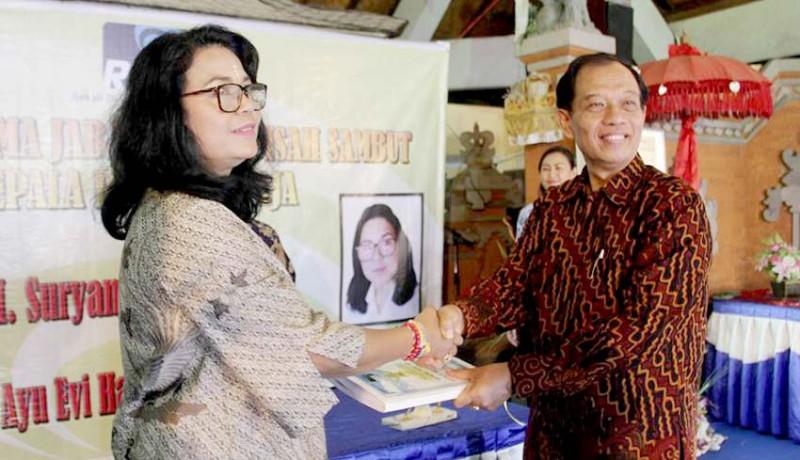 www.nusabali.com-kepala-rri-singaraja-diserahterimakan