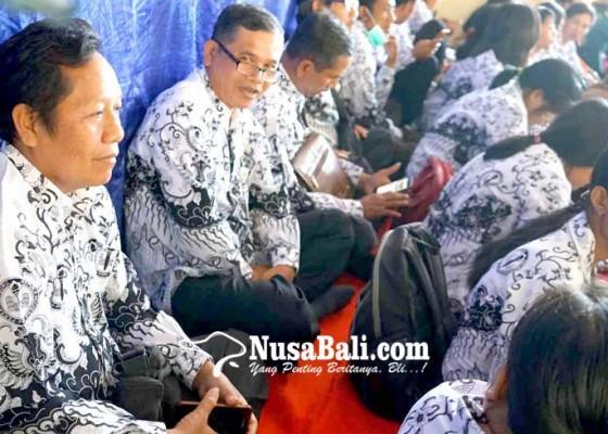 Nusabali.com - lulus-karya-ilmiah-138-guru-naik-pangkat