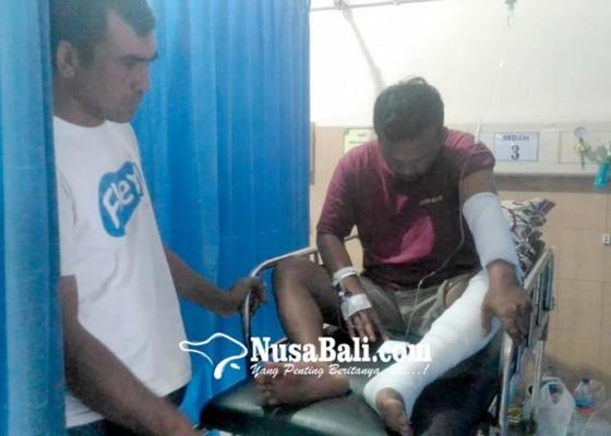 Nusabali.com - bakar-sate-tangan-dan-kaki-terbakar