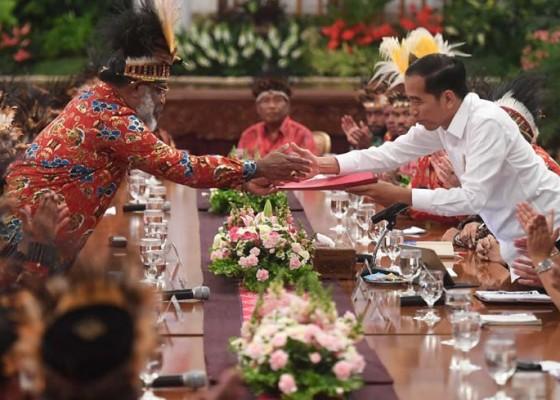 Nusabali.com - jokowi-diminta-bangun-istana-di-papua