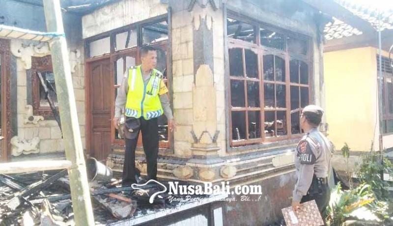 www.nusabali.com-ditinggal-melayat-rumah-terbakar