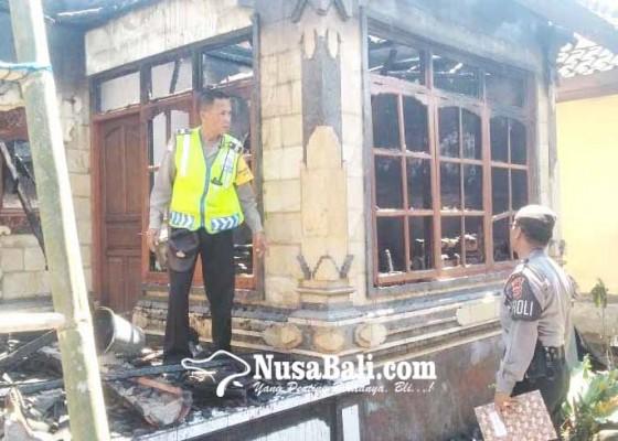 Nusabali.com - ditinggal-melayat-rumah-terbakar