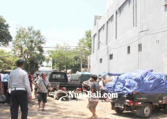 Nusabali.com - direlokasi-jumlah-pedagang-bermobil-membengkak