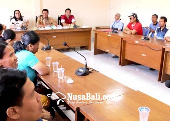 Nusabali.com - diskerpus-bentuk-perpustakaan-mini-tuna-netra