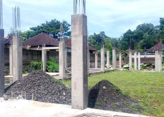Nusabali.com - proyek-gedung-bumdes-sembung-terhenti