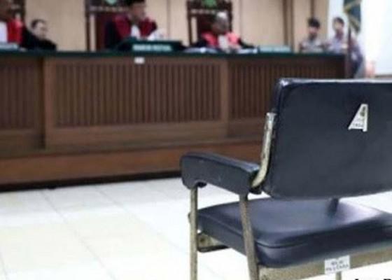 Nusabali.com - kasus-ott-kelian-dinas-sudihati-dituntut-4-tahun