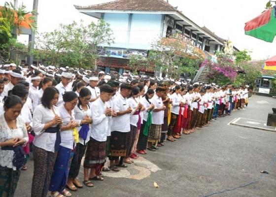 Nusabali.com - smpn-1-semarapura-kenang-jasa-habibie