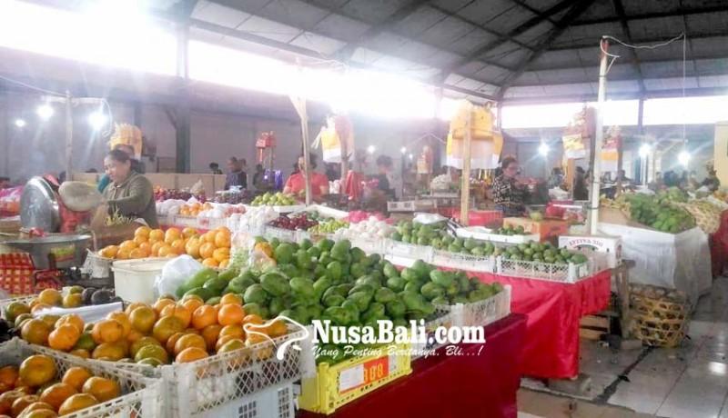 www.nusabali.com-pedagang-buah-ingatkan-pengelola-pasar-kidul