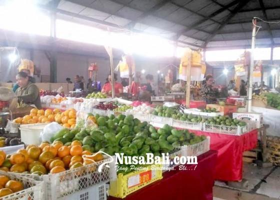 Nusabali.com - pedagang-buah-ingatkan-pengelola-pasar-kidul