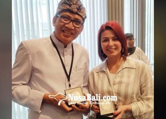 Nusabali.com - basabali-wiki-raih-penghargaan-dari-unesco