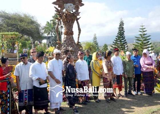 Nusabali.com - taman-ujung-jadi-pusat-demplot-kelapa-internasional