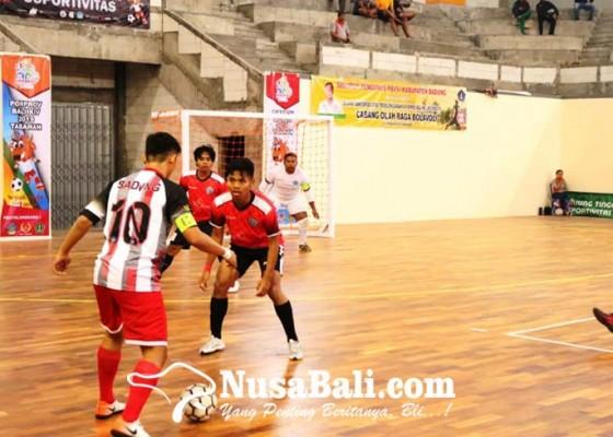 Nusabali.com - gebuk-badung-denpasar-juara-grup