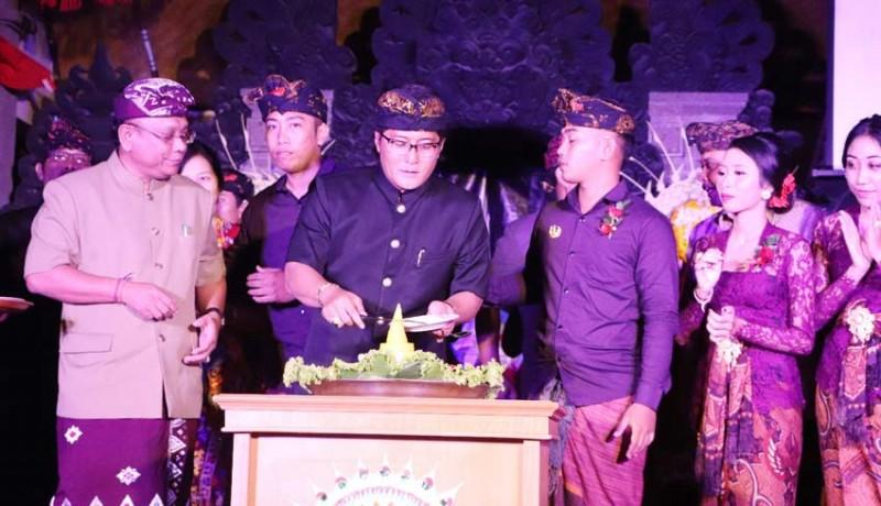 www.nusabali.com-hadiri-hut-ke-60-st-watugunung-bupati-ajak-generasi-muda-jauhi-narkoba