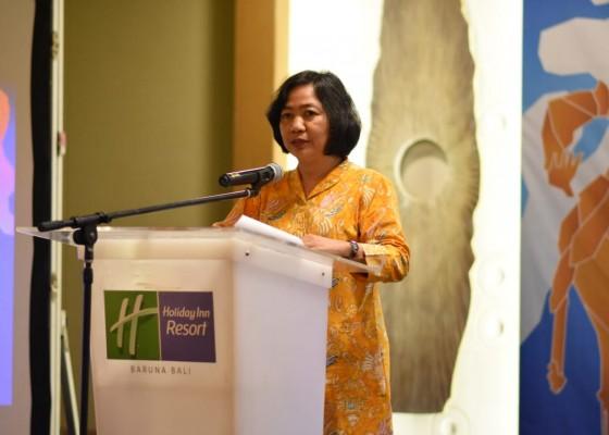 Nusabali.com - industri-rumahan-menjadi-contoh-pembangunan-ekonomi-perempuan