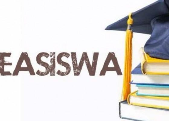 Nusabali.com - 36-siswa-kurang-sejahtera-terima-beasiswa