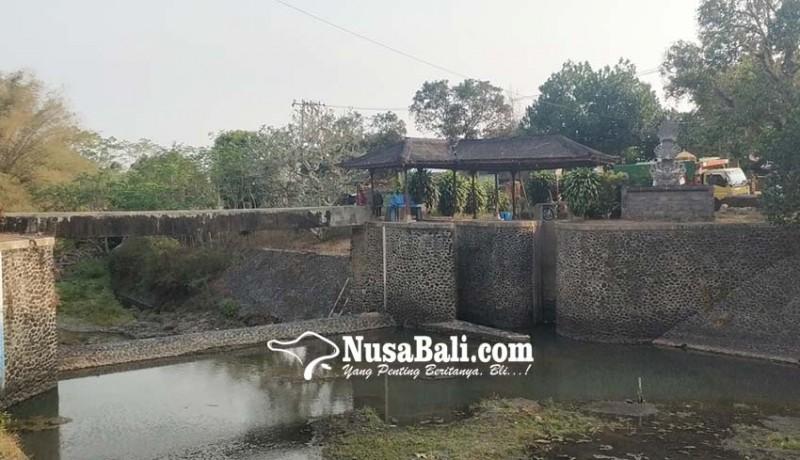www.nusabali.com-hutan-bermasalah-sungai-di-jembrana-mengering
