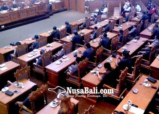 Nusabali.com - pdip-lepas-satu-pimpinan-akd-untuk-golkar