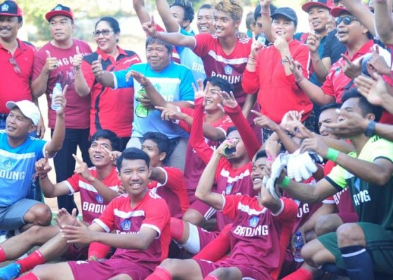 Nusabali.com - emas-sepakbola-lengkapi-gelar-juara-umum-badung